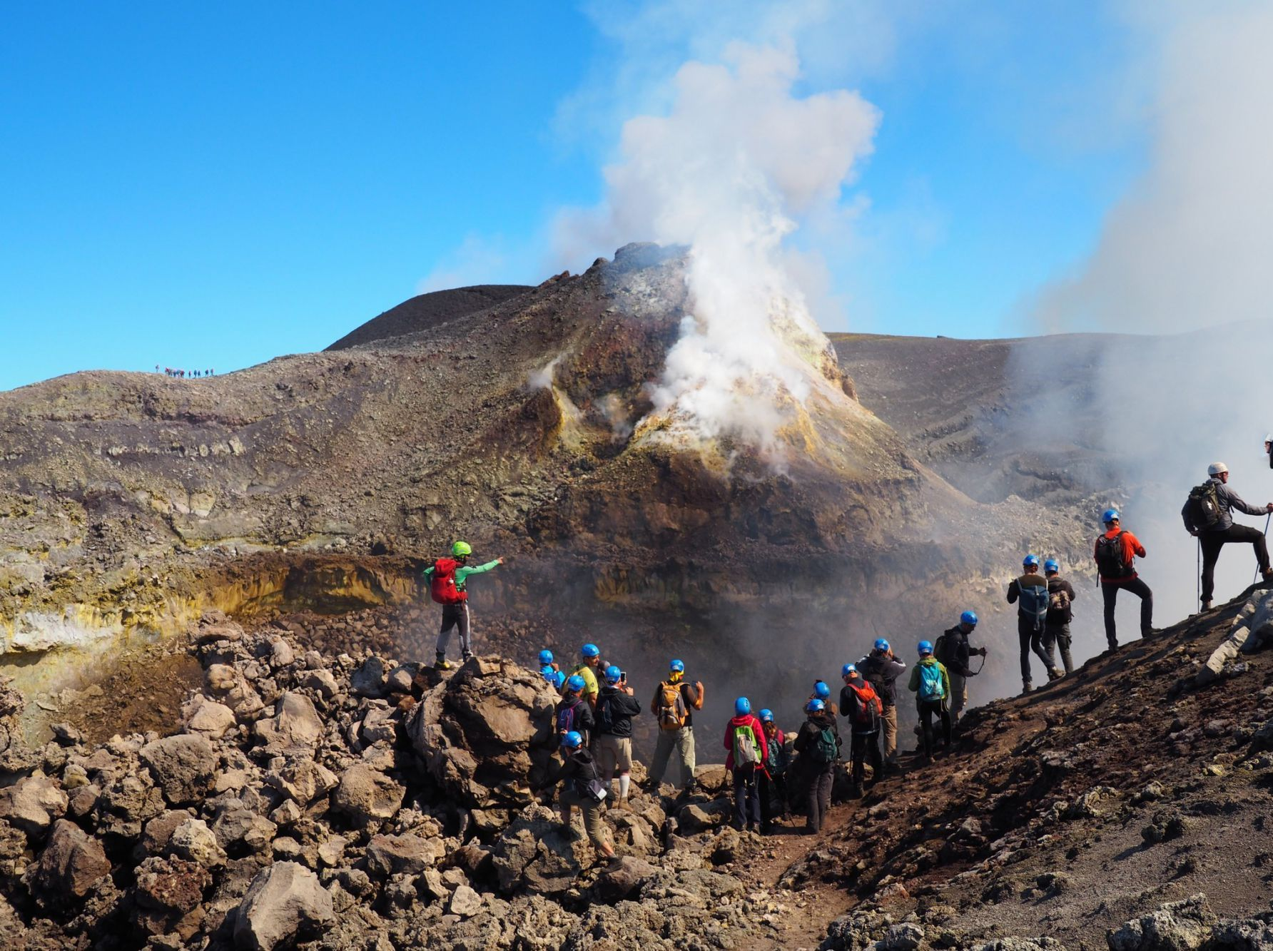 DISCOVER THE MAGNIFICENCE OF MOUNT ETNA